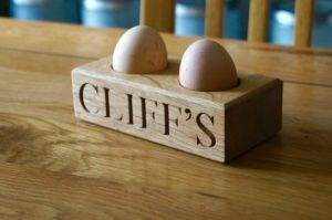 engraved-egg-cup-makemesomethingspecial.com