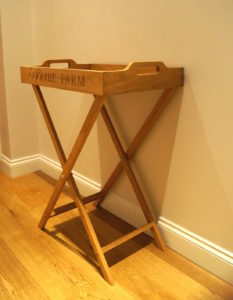 oak-tray-on-stand-makemesomethingspecial.com