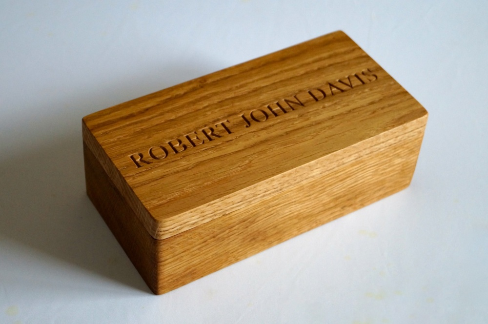 handmade-personalised-wooden-box-makemesomethingspecial.com