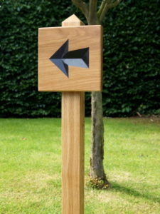 carved-wooden-arrow-sign-makemesomethingspecial.co.uk