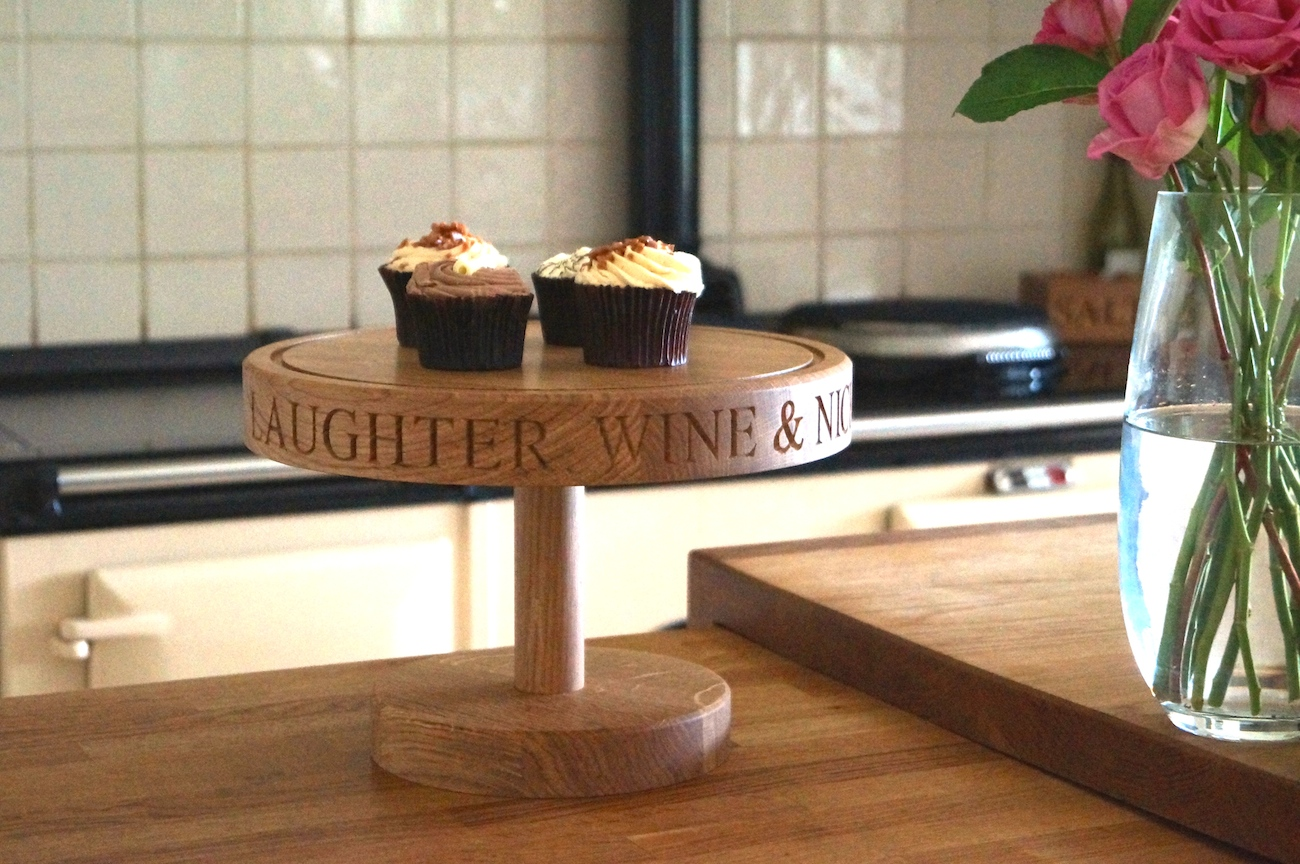 engraved-wooden-cake-stands-makemesomethingspecial.co.uk