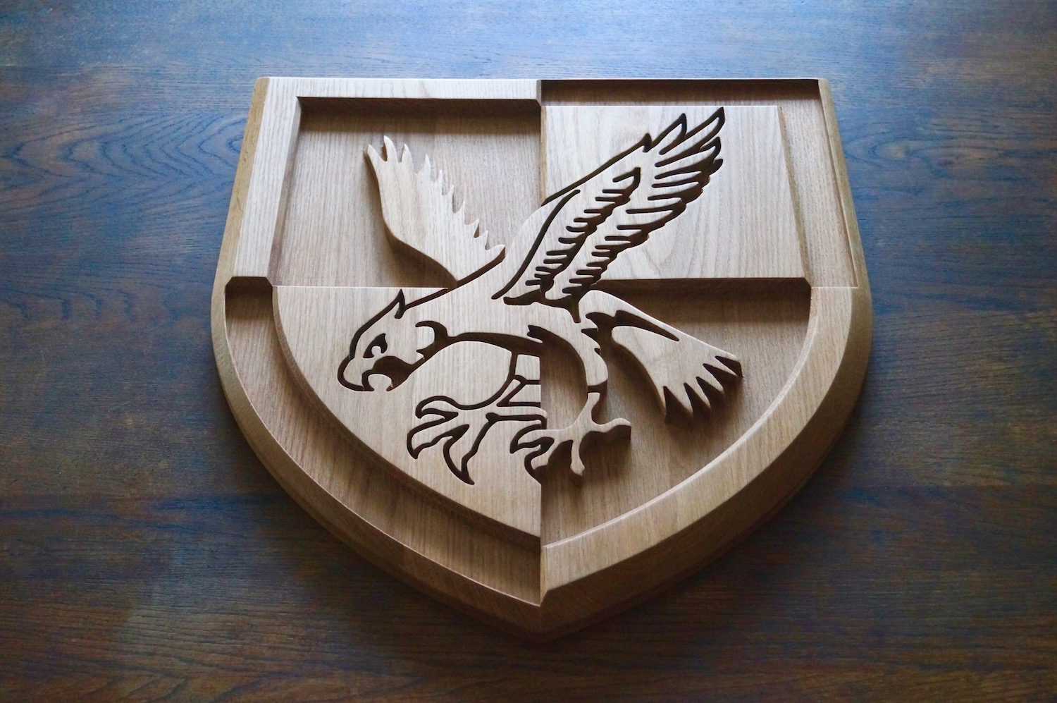 engraved-eagle-in-oak-makemesomethingspecial.com