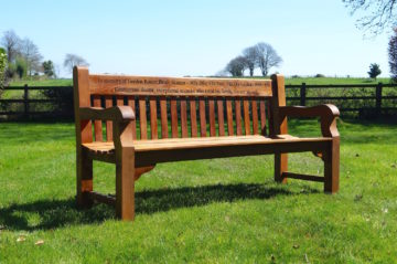 memorial-benches-uk-makemesomethingspecial.com