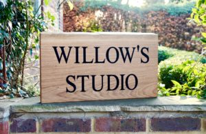 natural-edge-engraved-oak-sign